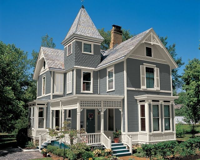 Gray victorian homes pic light grey with creamy white for Blue house builders
