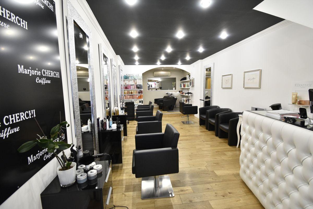 Salon De Coiffure Clermont L Herault Conference Room Home Home Decor