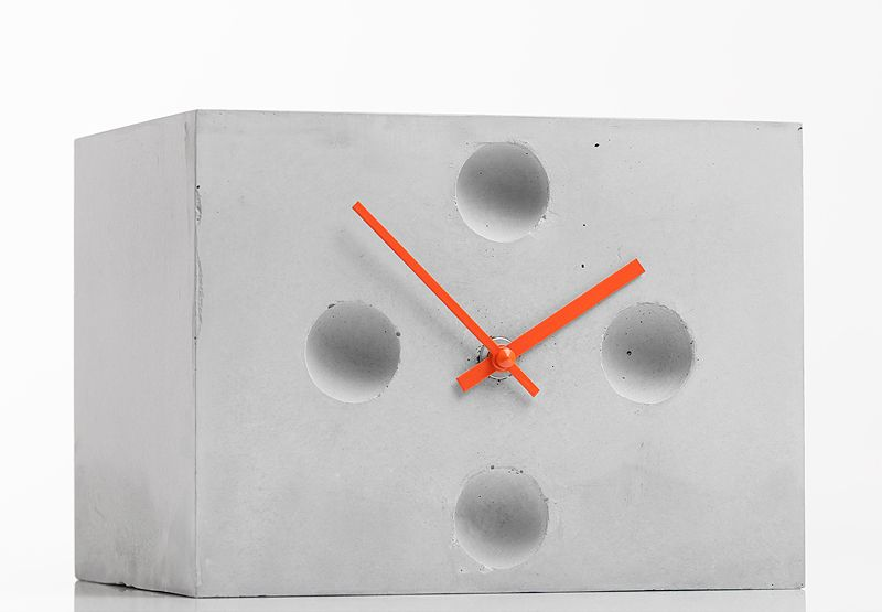 Betonuhr, Tischuhr, eckig von Objektdesign Dirk Krähmer auf DaWanda.com