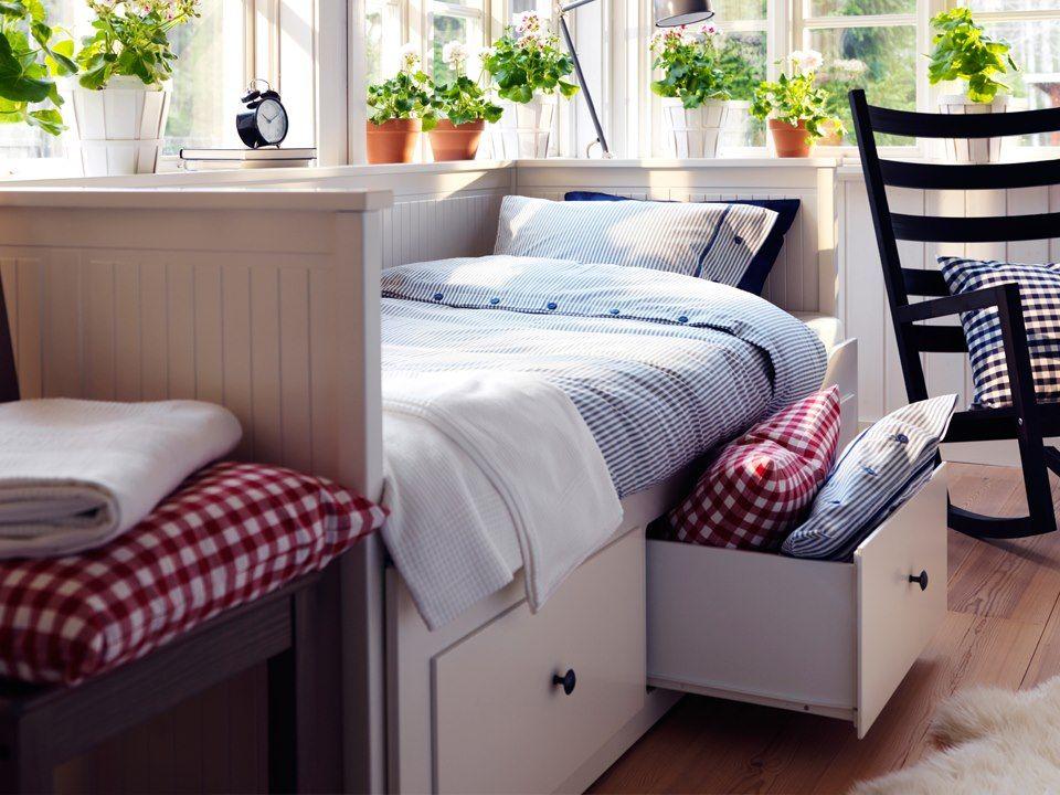 Underbed storage. | Home Restoration Ideas | Pinterest | Ropa de ...