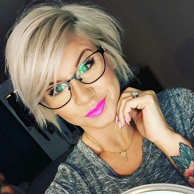 Cheers to my hair growing ❤️❤️ #springishere #pinklips #selfiesfordays