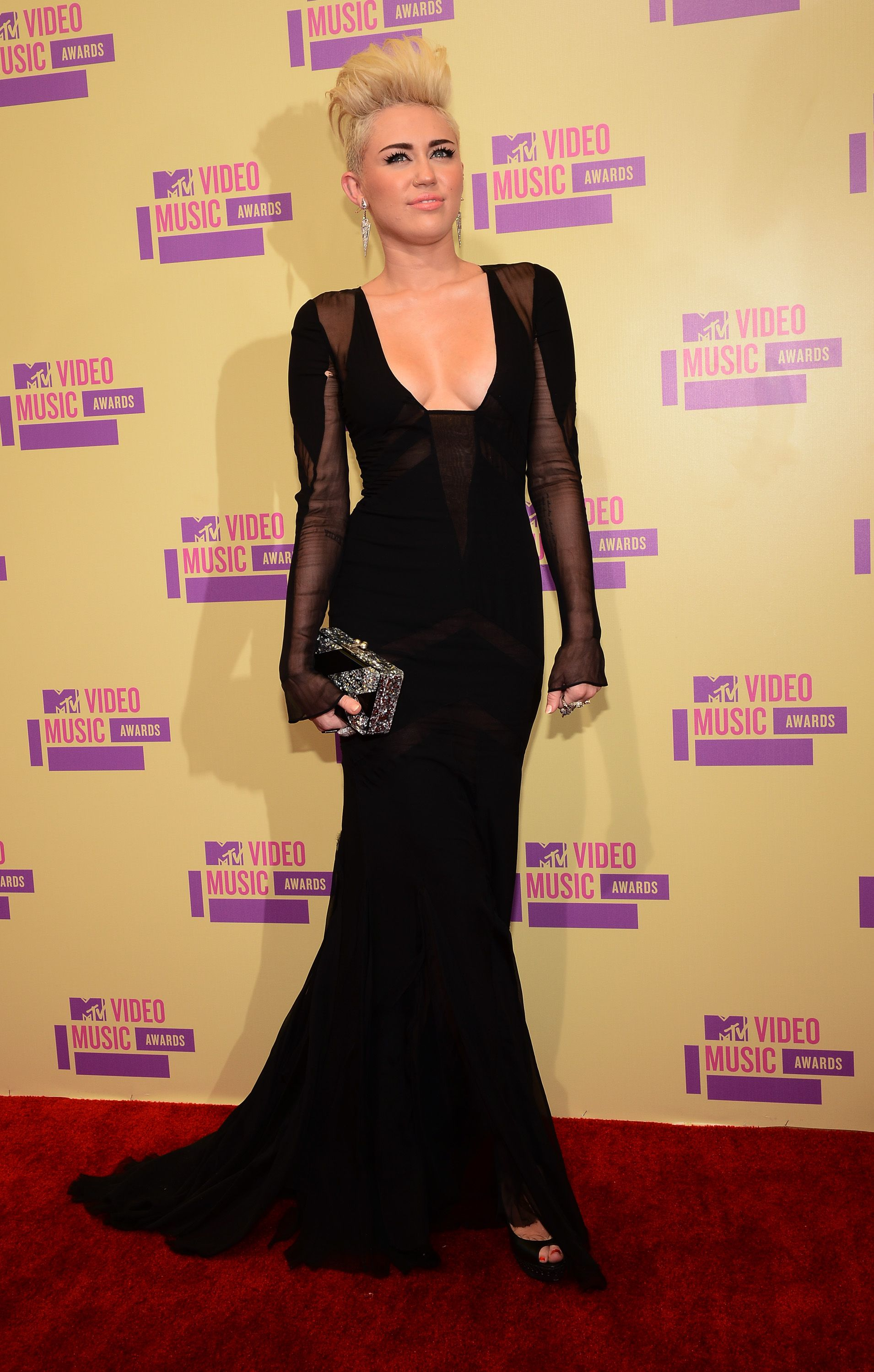 Miley Cyrus - MTV Video Music Awards in LA September 2012 in Emilio Pucci Fall 2012 Gown, Edie Parker Clutch