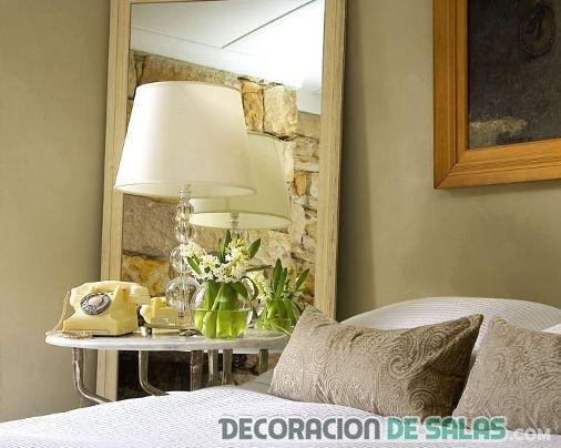 espejos de pie en el dormitorio