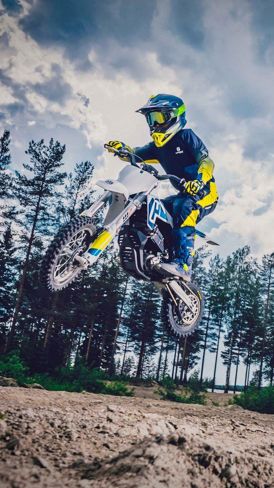 Husqvarna Ee 5 Electric Dirt Bike 4k Ultra Hd Mobile Wallpaper Electric Dirt Bike Moto Wallpapers Dirt Bike