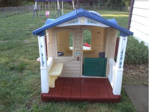 Step 2 Naturally Playful Front Porch Playhouse Play Houses