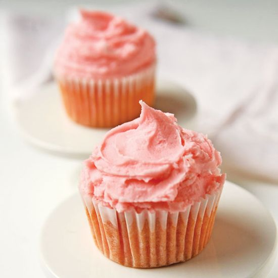 Put a spin on the typical summer dessert by trying this refreshing Pink Lemonade Cupcakes Recipe.