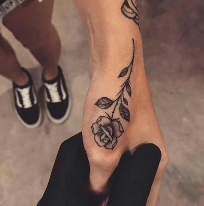 ▷ 1001 + finger tattoo ideas and their meaning-#angeltatto #finger #forearmtatto #ideas #matchingtatto #meaning #necktatto #sistertatto #skulltatto #tattoart #tattovrouw #tattoo #their- Rose tattoo on hand, ideas for #tattoos for women on the wrist