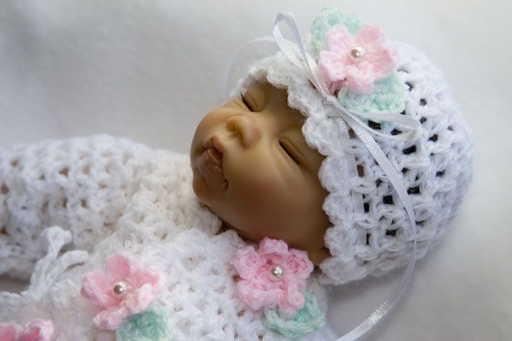 crochet baby layettes free patterns | Free Crocheted Baby Layette ...