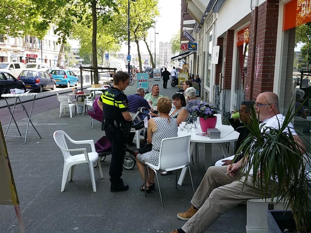 #theetuin op de #mathenesserweg met gastvrijheid van #buufenco en de heerlijke  stroopwafels van #stroop.