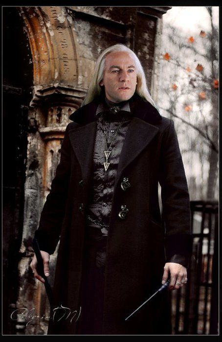 Lucius Malfoy. Not a Harry Potter fan, I like a lot the Malfoy look.