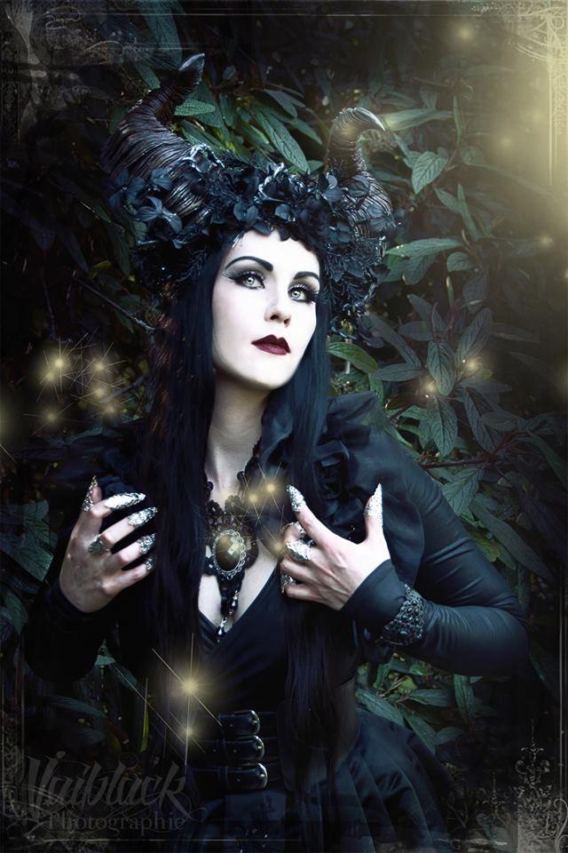 Model & styling: Mademoiselle Karma Photo: VAIBLACK Photographie Welcome to Gothic and Amazing  www.gothicandamazing.org