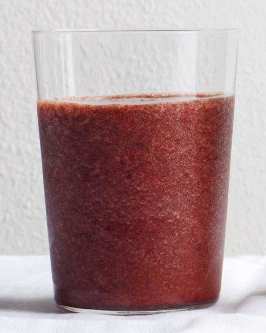 Peach, Berry, and Spinach Smoothie Recipe