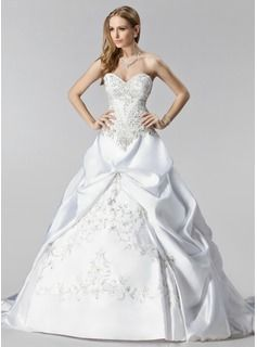 Gallakjole Sweetheart Kapel tog Satin Brudekjole med Broderier Flæsekanter Perlebroderi  Ball-Gown Sweetheart Chapel train Satin Wedding Dress With Embroidery Ruffle Beadwork