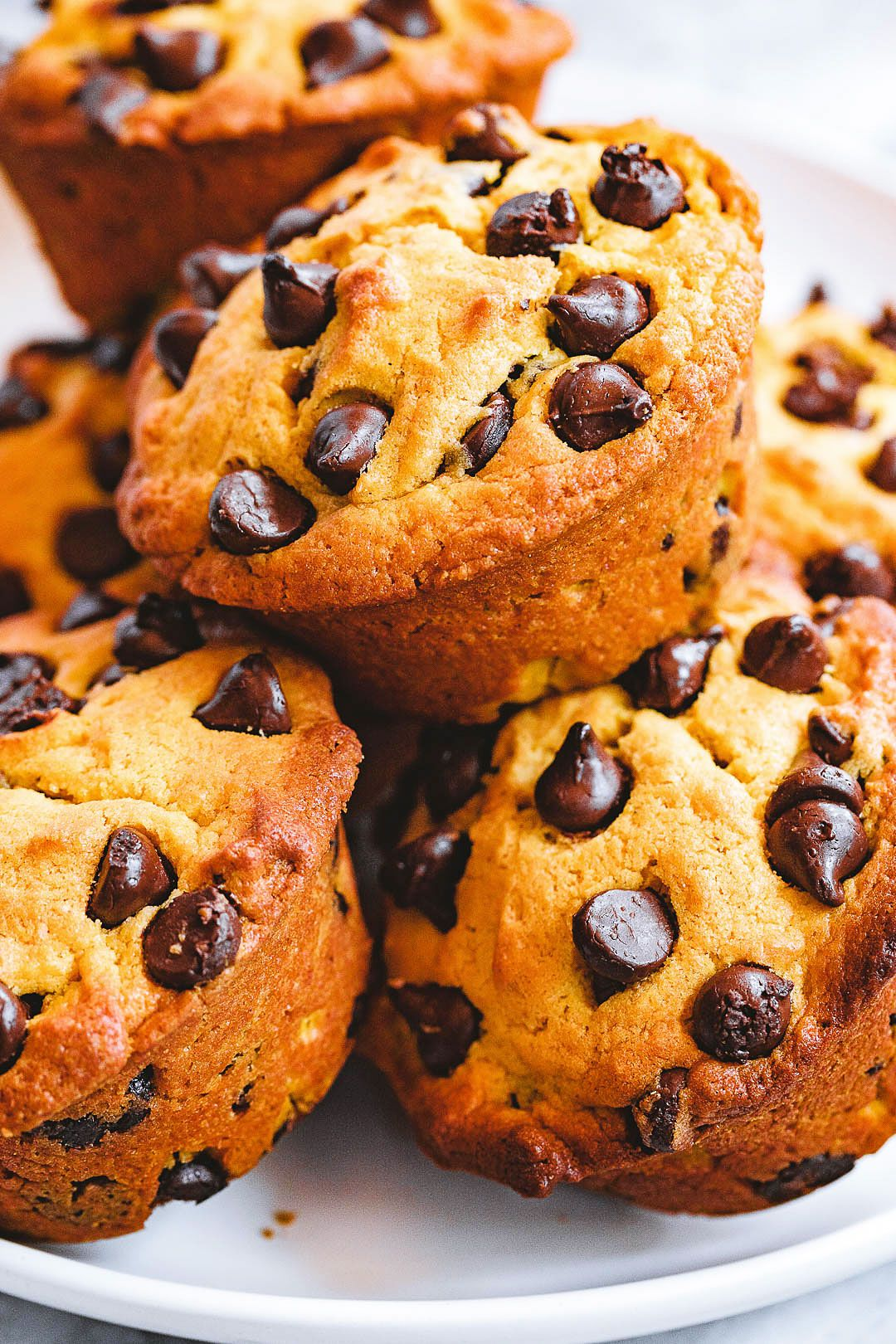 Pumpkin Chocolate Chip Muffins Pumpkin chocolate chip muffins - - These pumpkin chocolate chip muffins make for easy meal prep, perfect for cozy fall breakfasts or post-workout fuel! - by