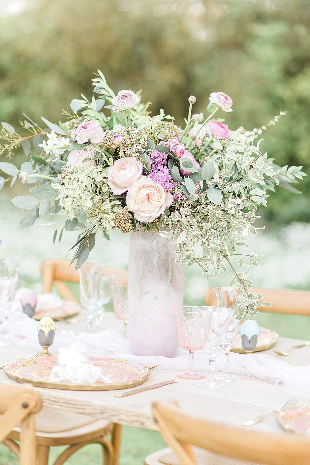 Easter Spring Wedding Inspiration With Seasonal Spring Flowers