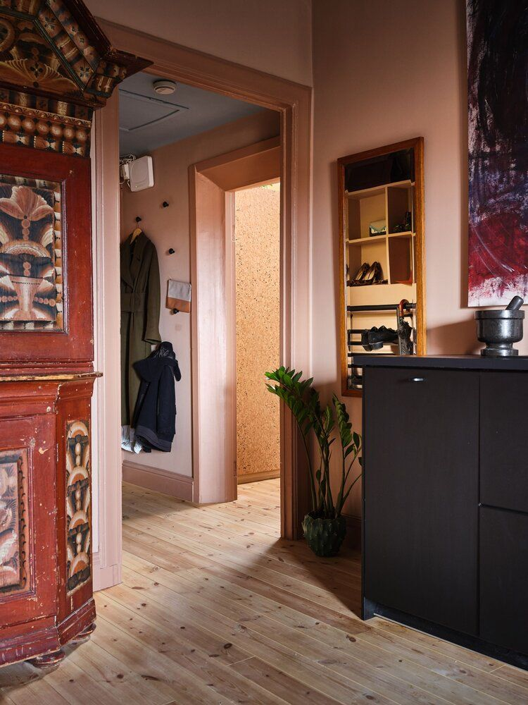 A Small Dusty Pink Dream Apartment in Sweden — THE