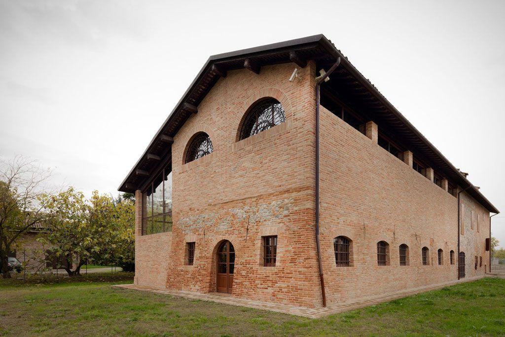 Reggio Emilia Studiomas Recupera Una Casa Colonica Architetti Fienili Ristrutturati Reggio Emilia