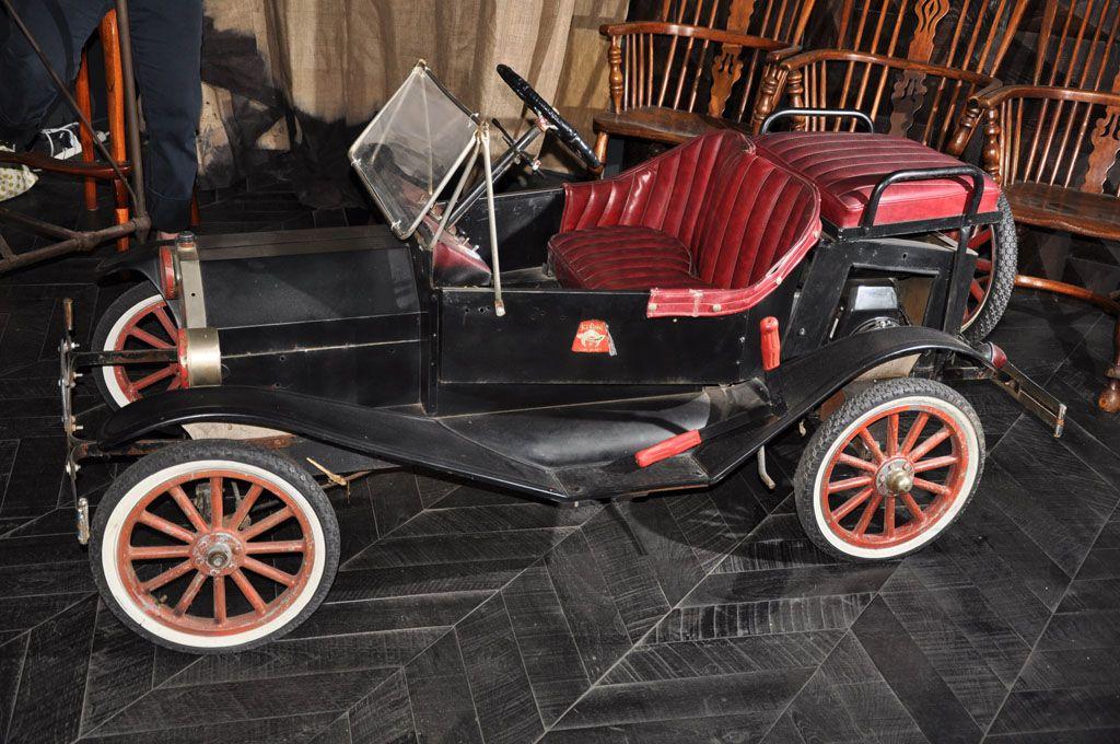 MODEL T SHRINERS PARADE CAR Pedal cars