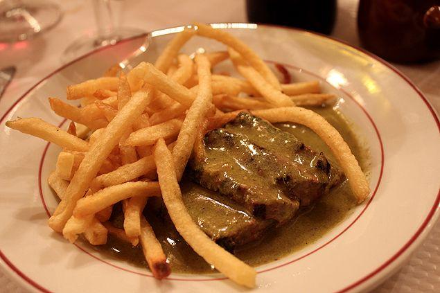 Steak Frites - Le Relais de l'Entrecote - Paris