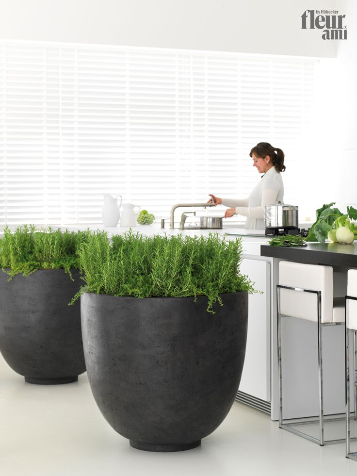 polystone ego giant planter by fleur ami pflanzgef von. Black Bedroom Furniture Sets. Home Design Ideas