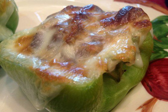 Philly Cheese Steak Stuffed Bell Peppers #stuffedbellpeppers