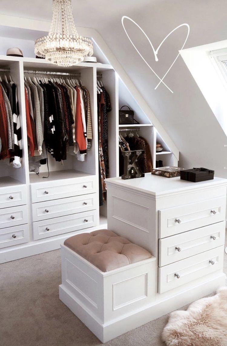 Dream closet   Zimmer mit dachschräge einrichten, Schrank im dachgeschoss, Ankleide zimmer