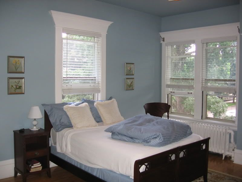 SW Breezy color of the dining room