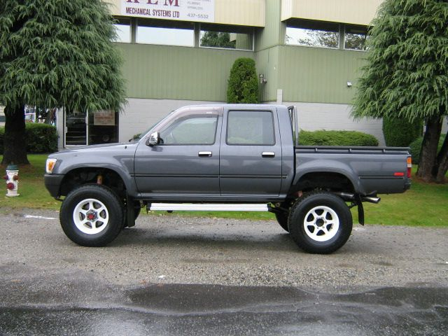 Toyota Hilux Diesel Truck >> Classic Double Cab Toyota Toyota Hilux Diesel Trucks
