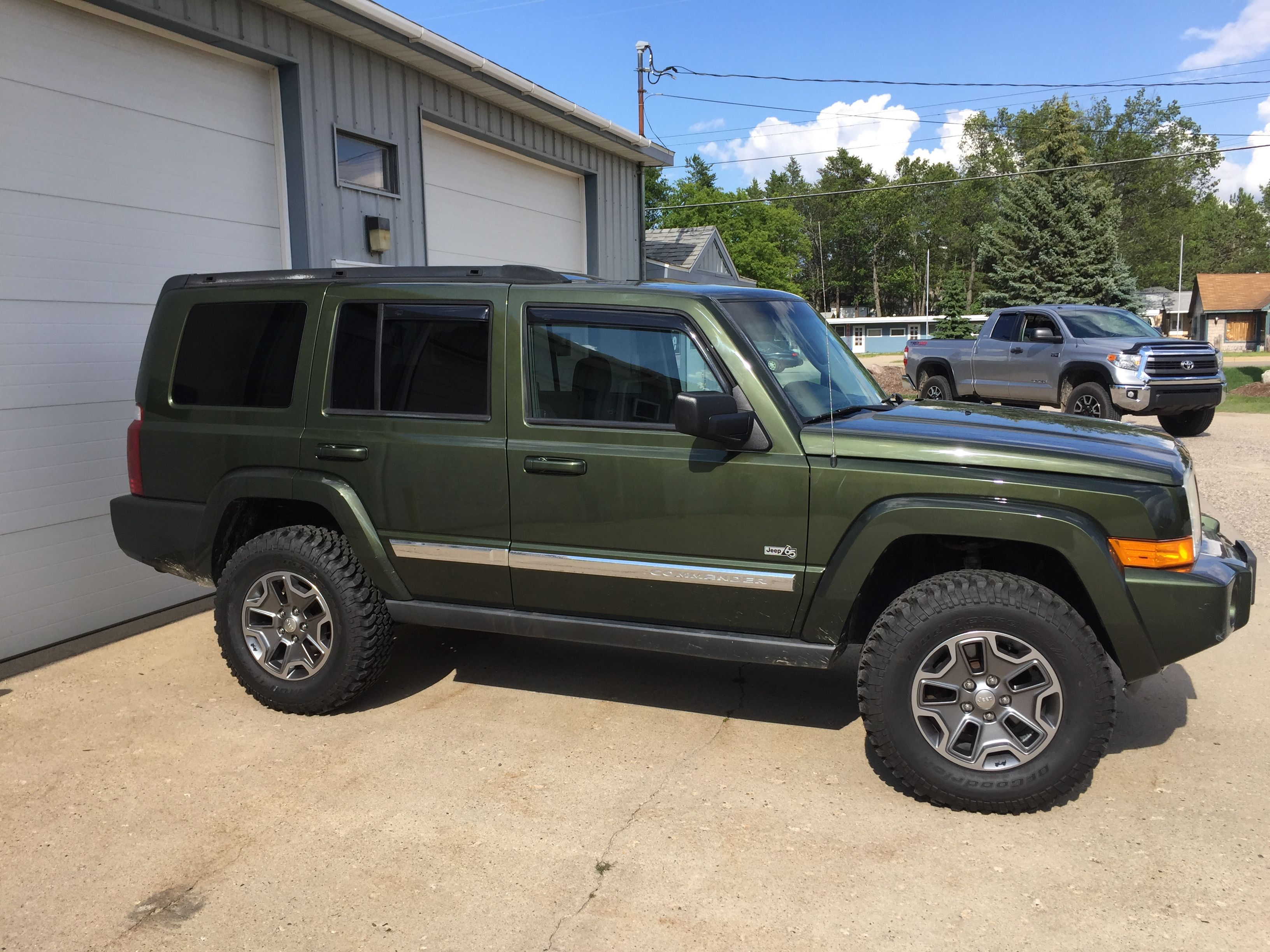 2006 Jeep Commander 65th Anniversary 4 7l V8 2 Rough Country