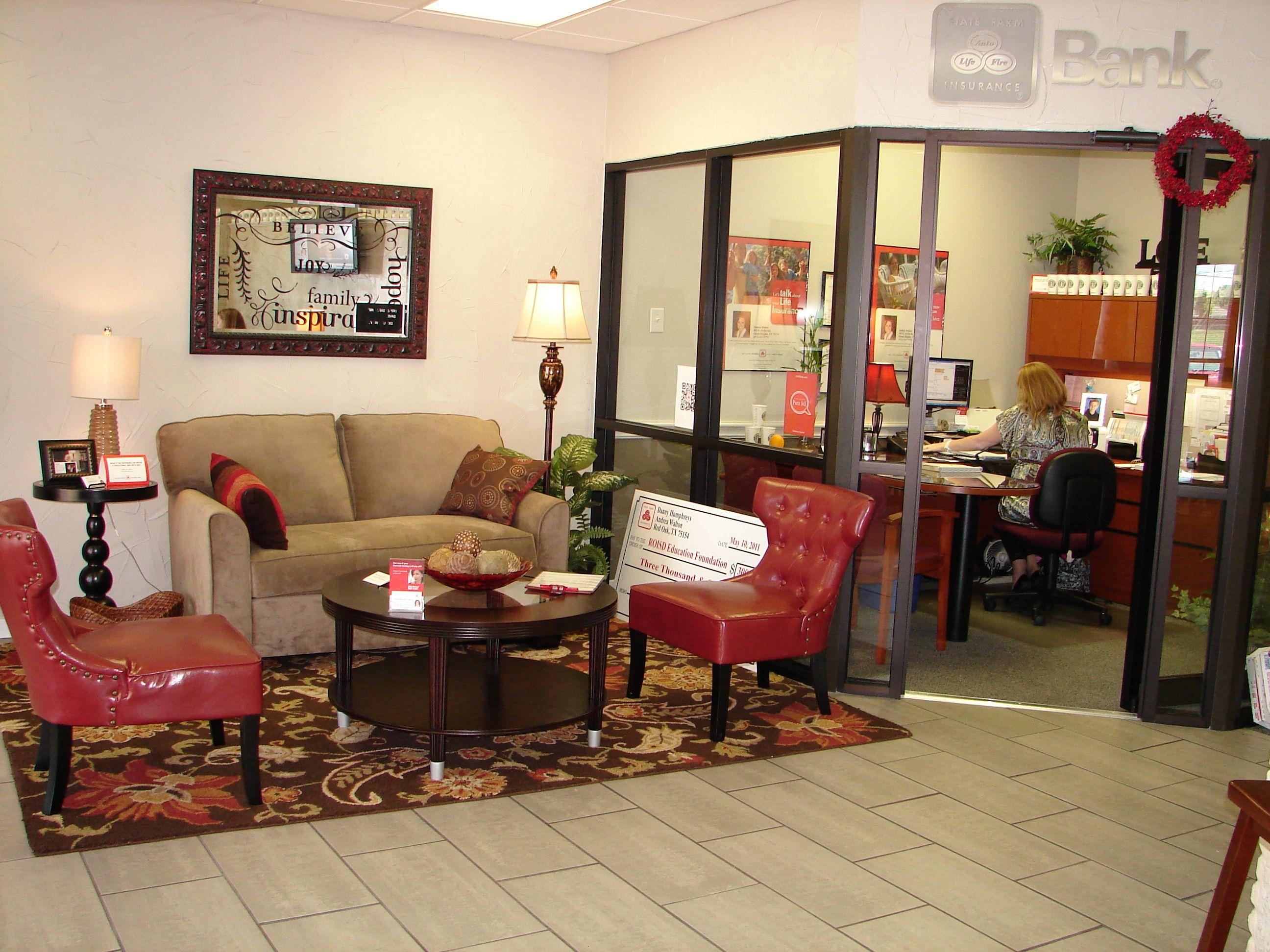 Insurance office miniredo Office decor professional