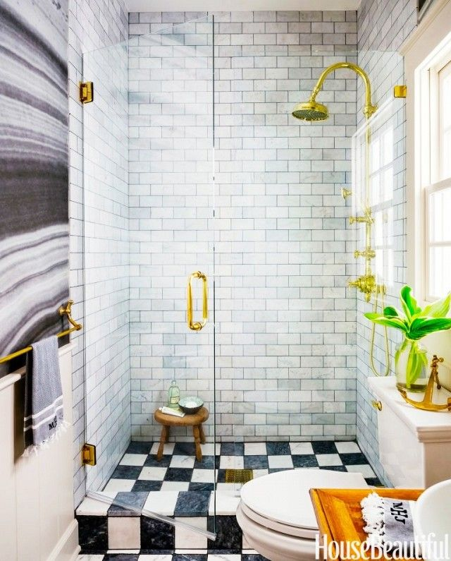 15 Tiny Bathrooms With Major Chic Factor Regendusche