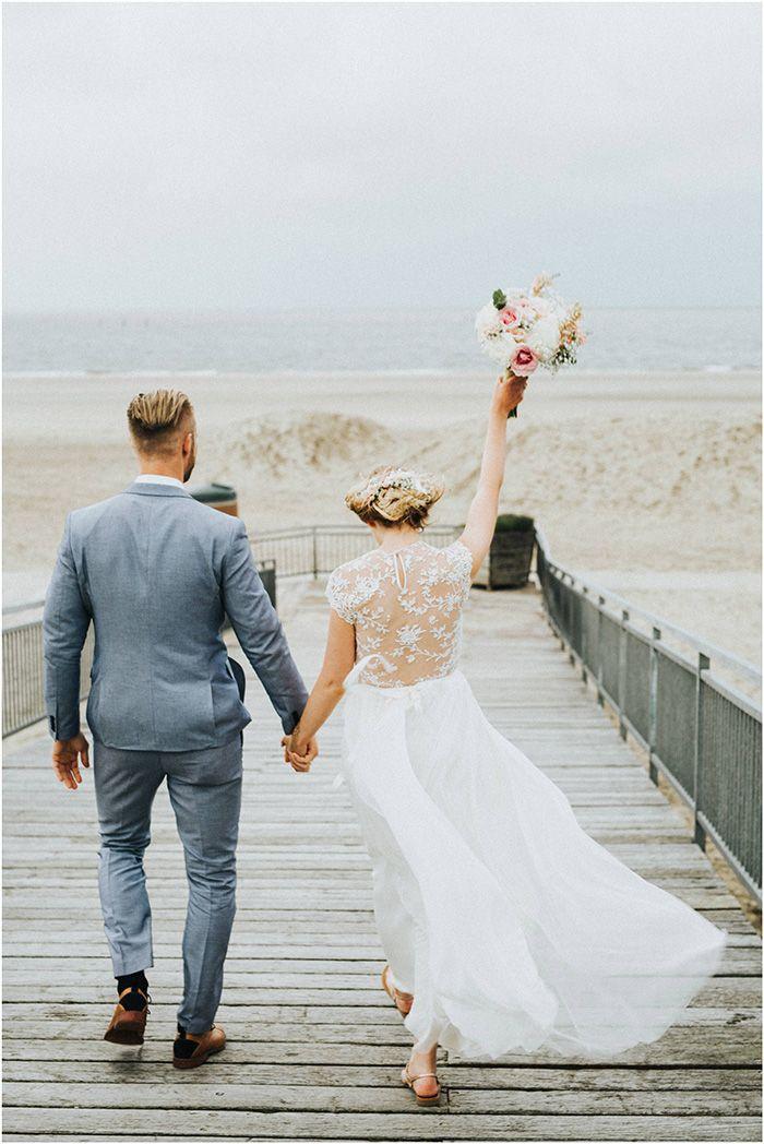 Strandhochzeit In Renesse Bride And Groom Hochzeit Bilder