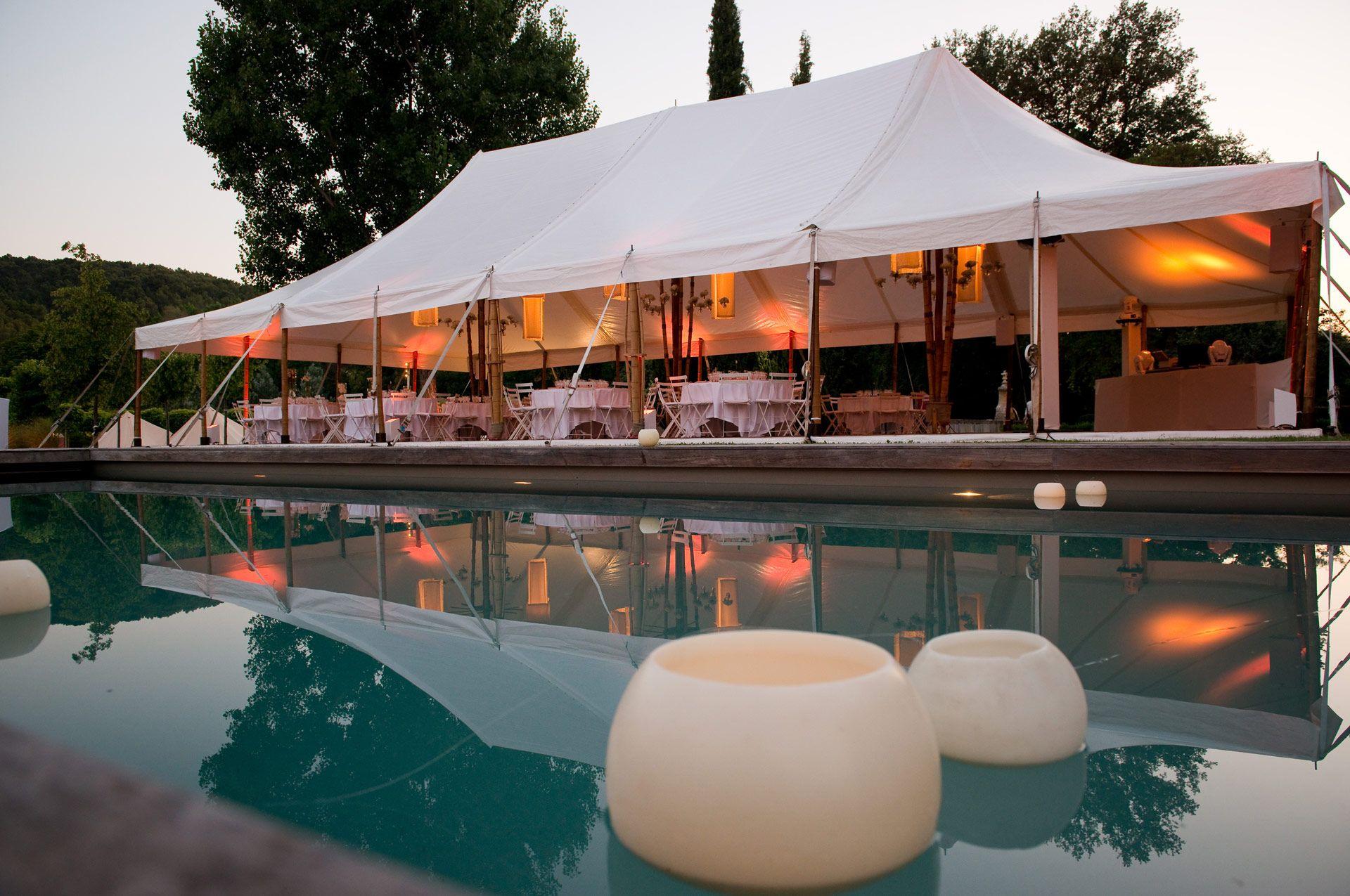1000 ides sur le thme location de tente sur pinterest salle de mariage mariage et location tente - Barnum Mariage
