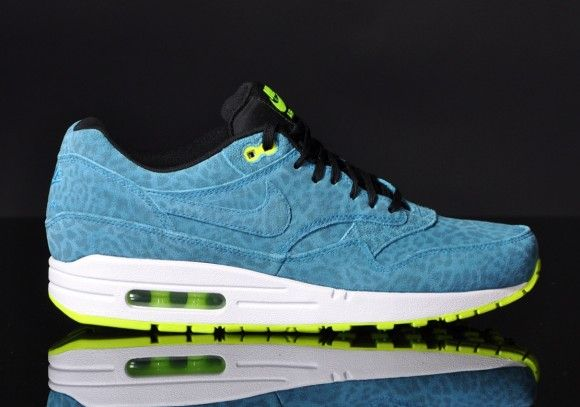 best sneakers c241e 1cbd7 Nike Air Max 1 FB Blue Leopard Detailed Pictures