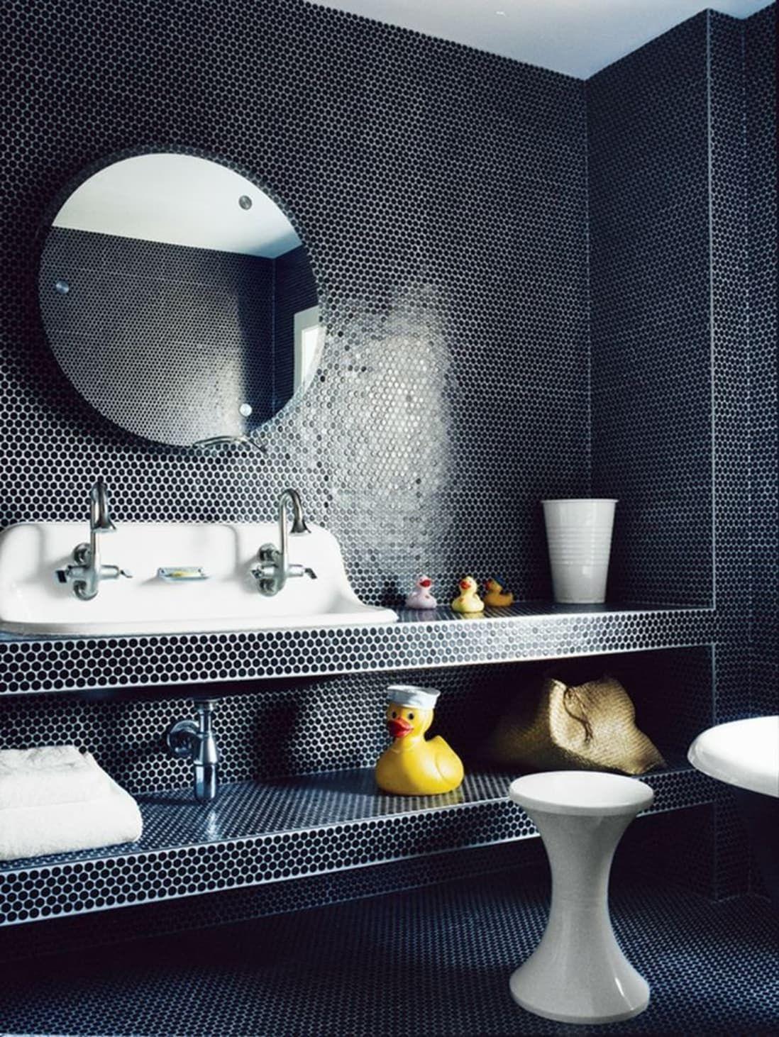 Look We Love Penny Tile In The Bathroom Penny Tiles Bathroom Bathroom Trends Small Bathroom Trends