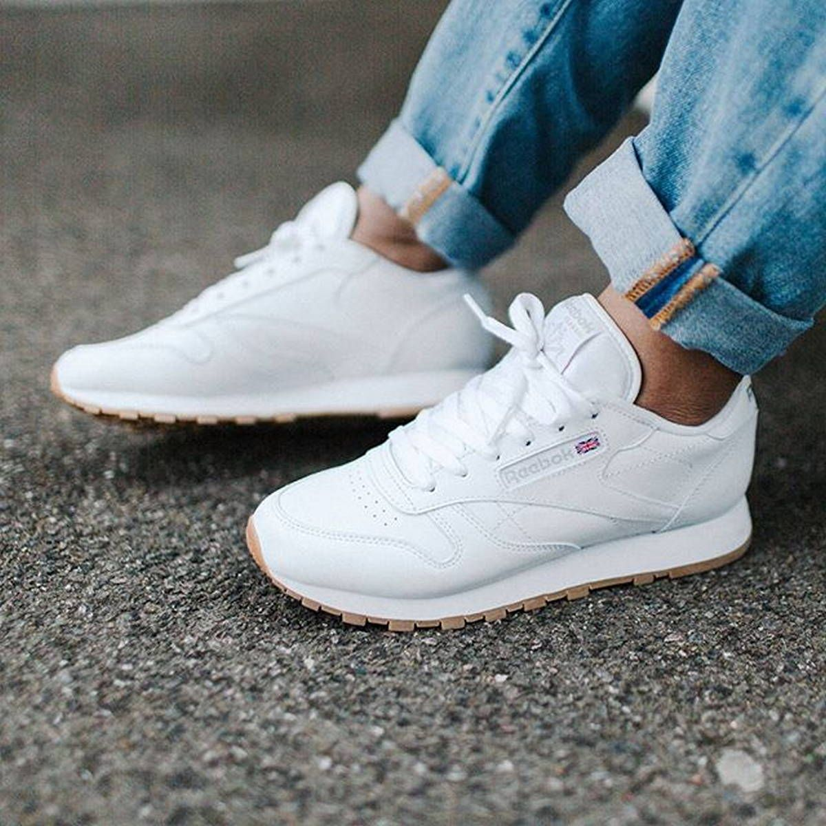 112 Women's White Sneakers Outfit Idea Hvide sneakers  White sneakers