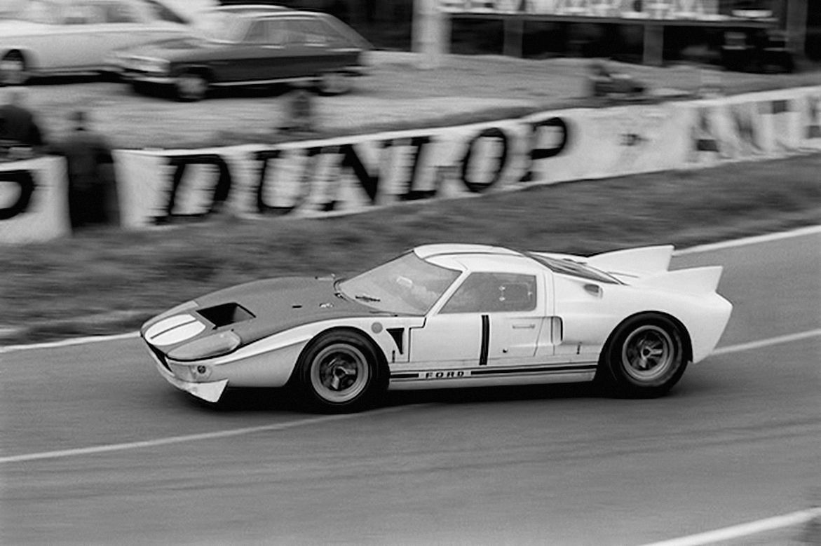 Le Mans 1965 Bruce Mc Laren Ken Miles Ford Mkii Ford Gt Ford Racing Sports Car Racing