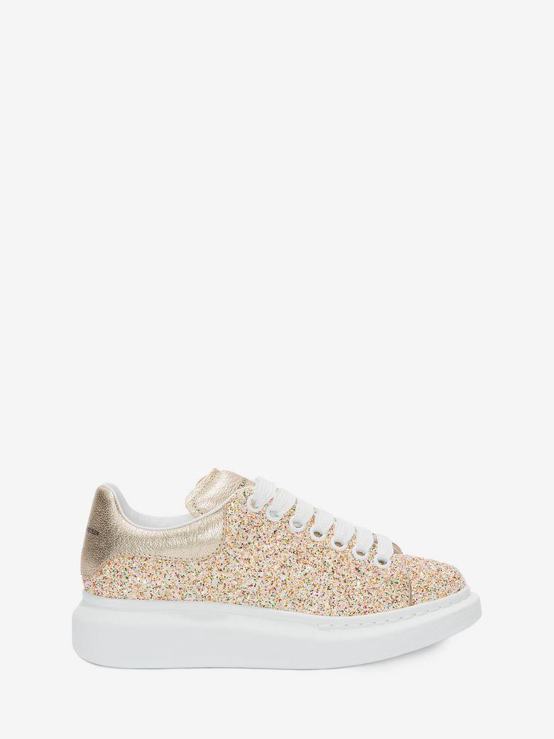 ALEXANDER MCQUEEN Oversized Sneaker. #alexandermcqueen #shoes #