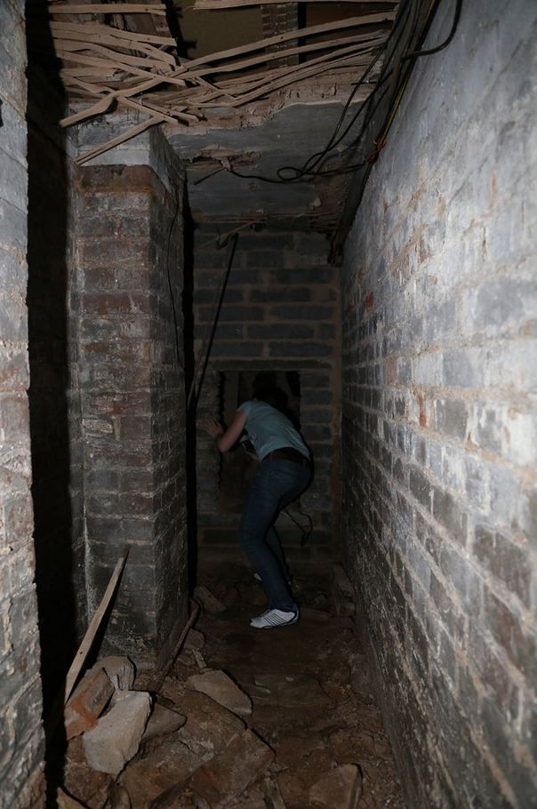 Man discovers secret 'dungeon' under new apartment