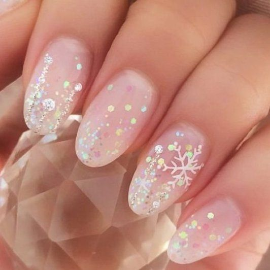 47 Amazing Snowflake Nail Art Designs for Christmas and Winter Holidays -  -  Amazing  ART in 2020 | Festive nail art, Snowflake nail art, Nail art designs