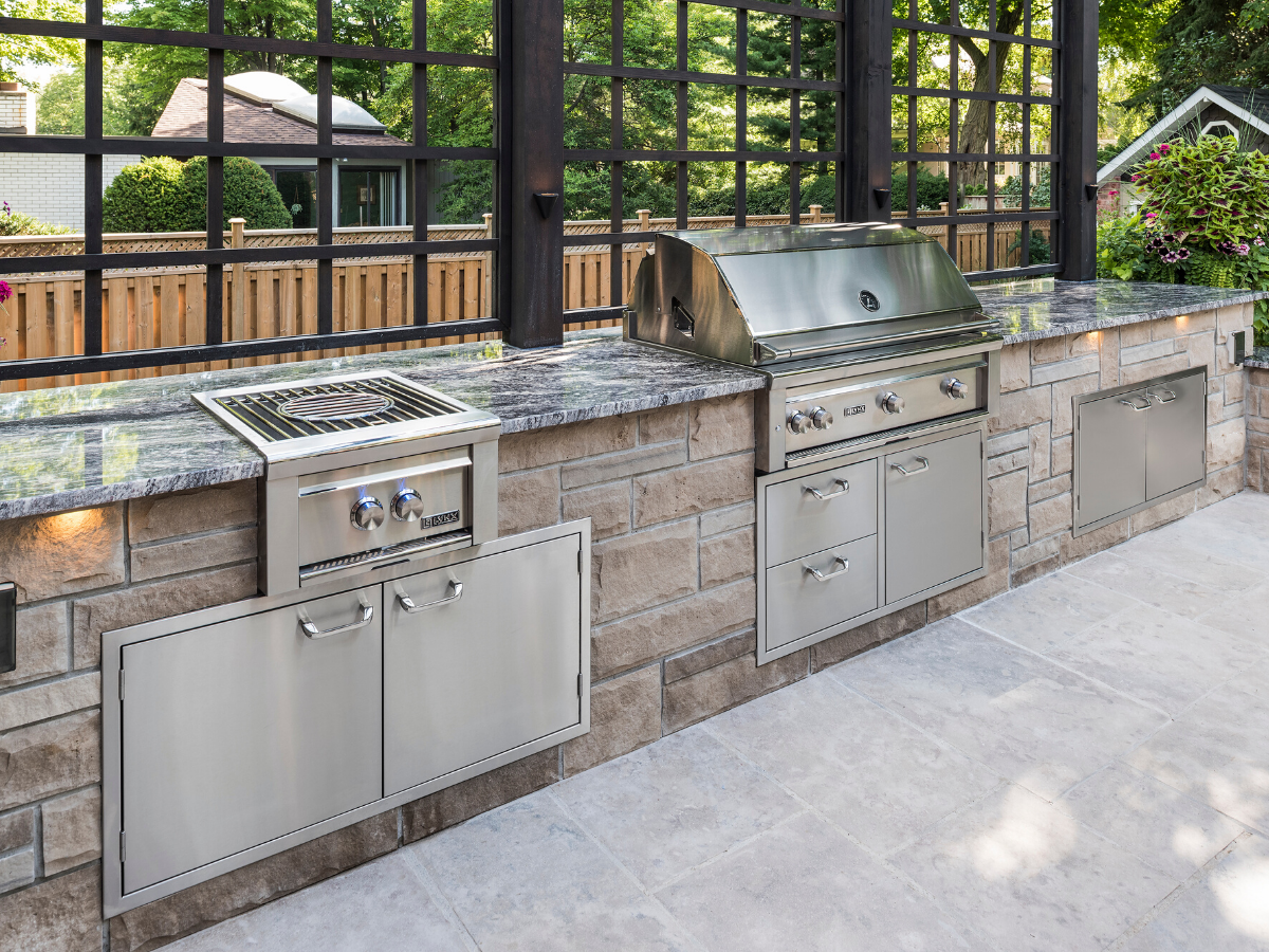 Create The Perfect Luxury Kitchen For Your Backyard With Lynx Elegant Stainless Steel A In 2020 Outdoor Kitchen Island Covered Outdoor Kitchens Outdoor Cooking Spaces