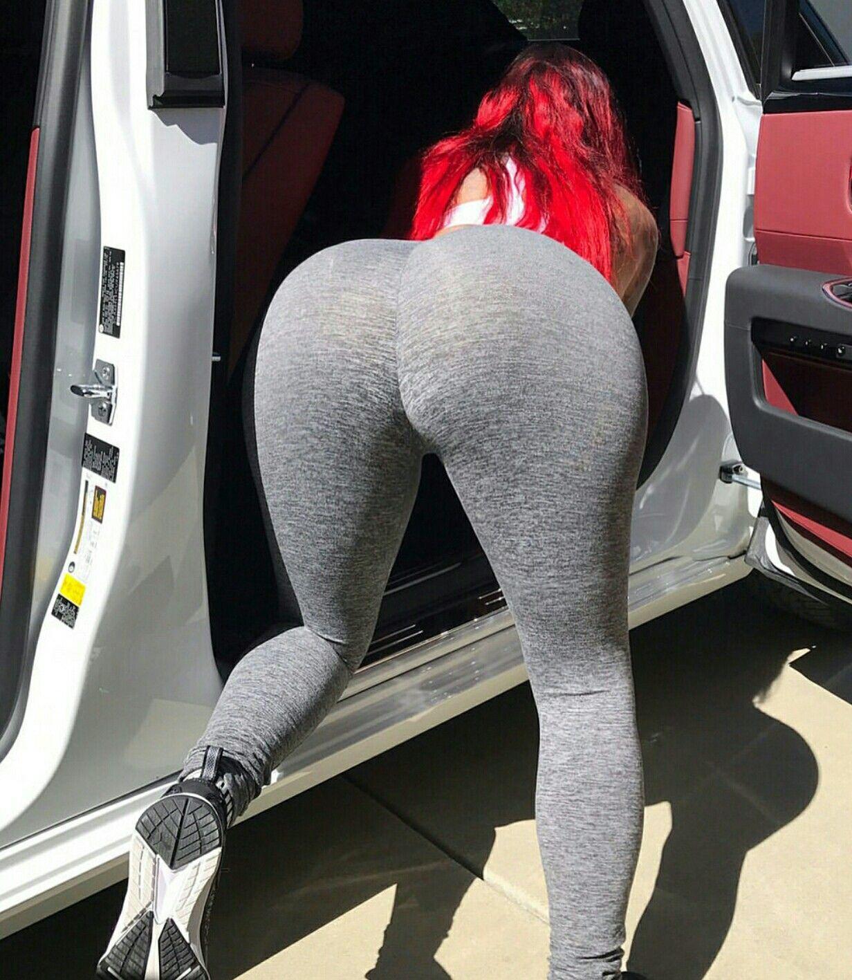 ebony yoga pants