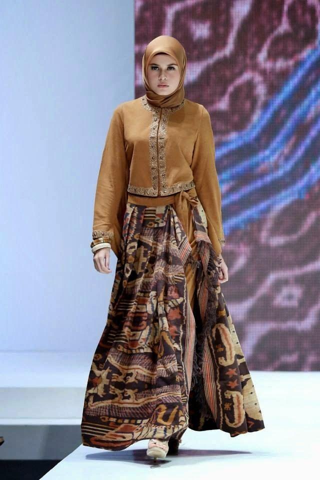 Rok Maxi Batik Dengan Atasan Blazer Batik Model Baju Batik