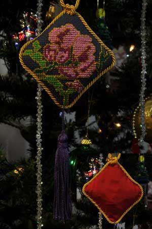 Diamond Flower, Cross Stitch Christmas Tree Ornament
