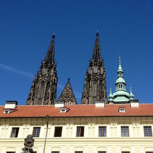 No Castelo de Praga, o maior castelo do mundo, sem filtro! #janelaparaomundo…