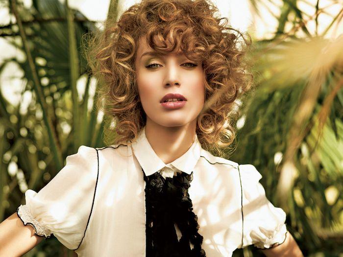 1001 + idées géniales de coiffure cheveux bouclés tendance