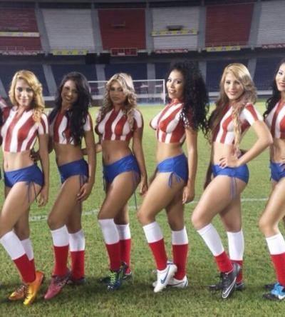 Las Porristas del Junior en el juego ante Jaguares  Win