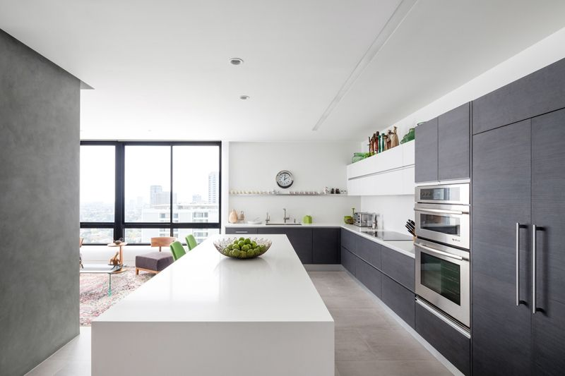 21 Neat Black And White L Shaped Kitchens Home Design Lover L Shaped Kitchen Designs L Shaped Kitchen Beautiful Kitchen Designs