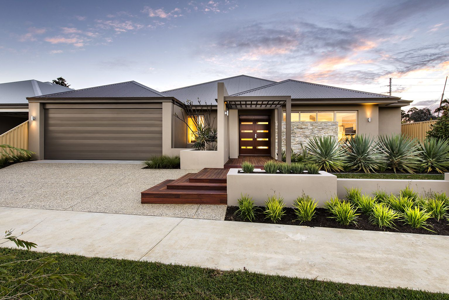 Glen Iris, The Riverlea Display from Aveling Homes #modernfrontyard