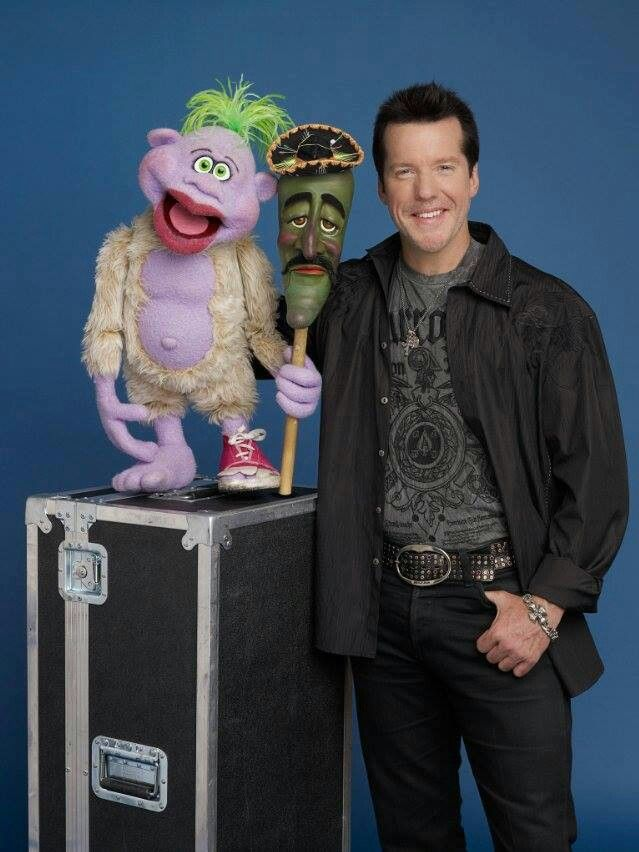Jeff Dunham love watching him on tv hope to see him live!!